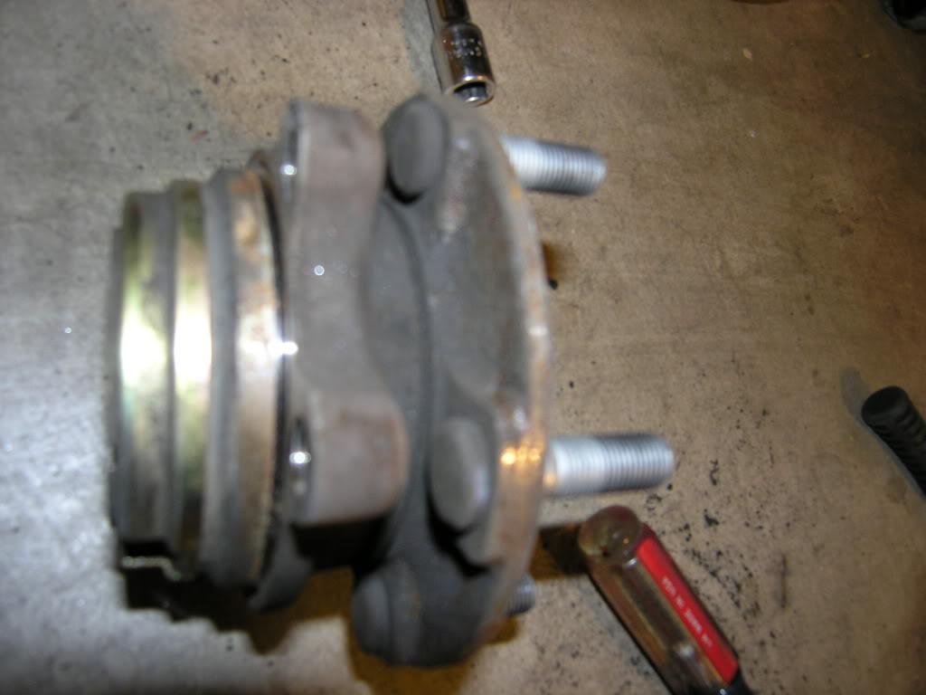 g37 wheel bearing removal