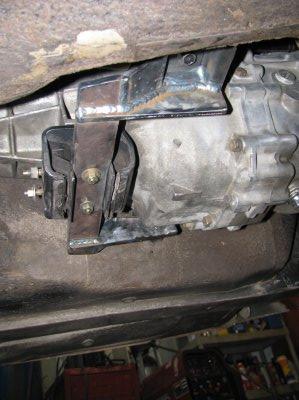 RB25DET transmission mount 240Z
