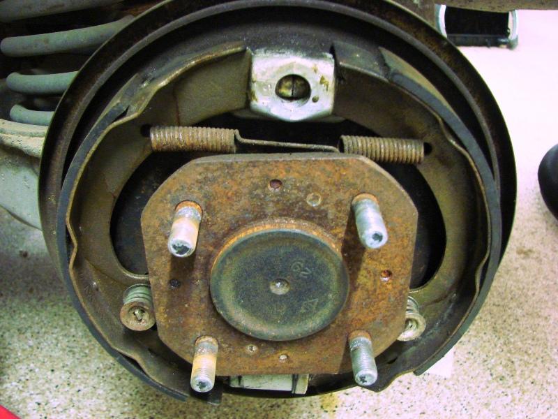 Datsun 510 rear brakes