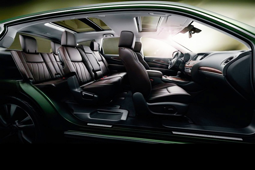 Infiniti QX60 hybrid interior