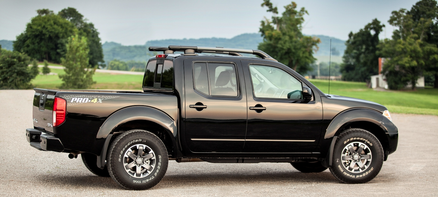2014 nissan frontier pro 4x still a great package but whats next vanachro Images